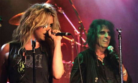 Keha-and-Alice-Cooper-005
