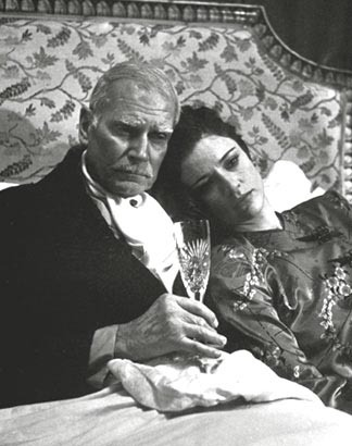 Brideshead-Revisited-laurence-olivier-5116445-324-410