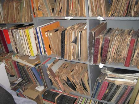 Stacks-of-78-rpm-records