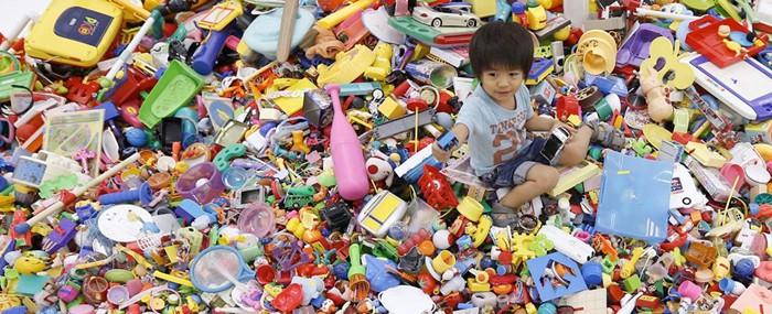 hiroshi-fuji-recycled-toys-8